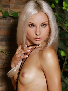 VIP Babe Adelia A