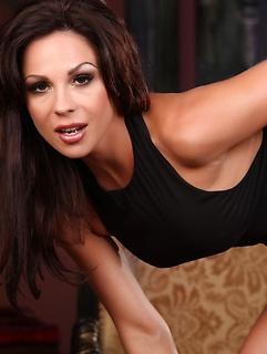 VIP Babe Kirsten Price